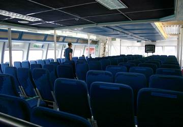 balearia_maverick_dos_seating_area_2