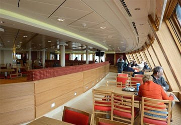 po_ferries_spirit_of_britain_food_court_viewing