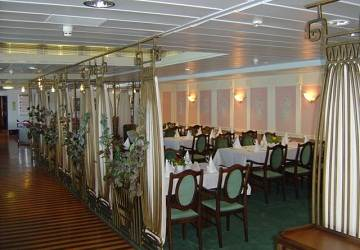 polferries_scandinavia_zorba_restaurant